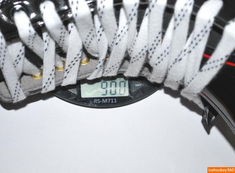 Вес модели PK7700 в размере 10,5R - 900 гр.