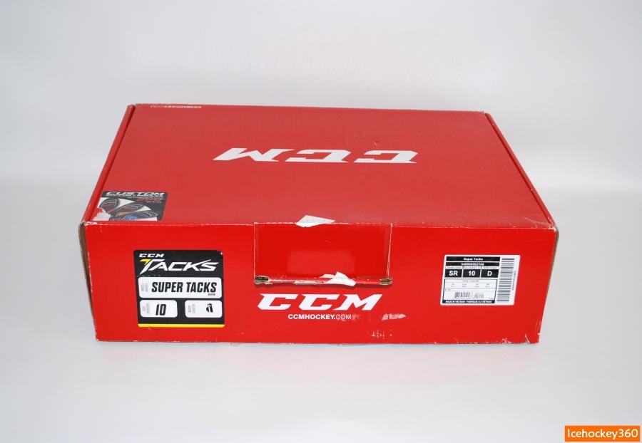 Коробка коньков CCM Super Tacks.