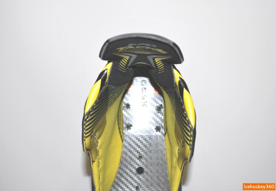 Контурная пяточная часть ботинка.