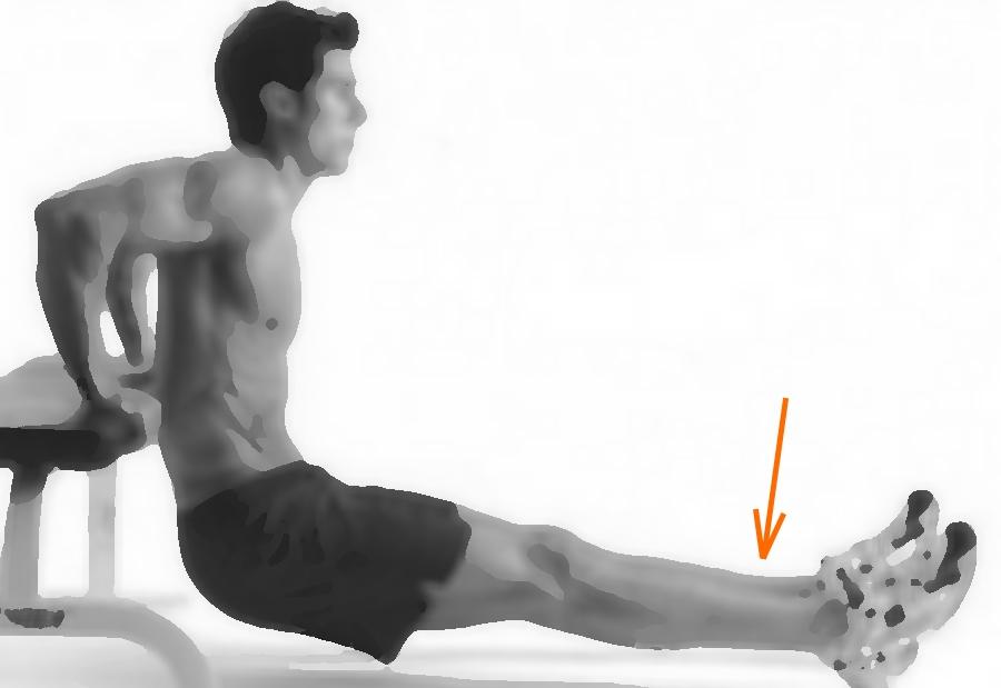 Примерно положение тела, которое обеспечит более активное продавливание пены в пяточной части ботинка.