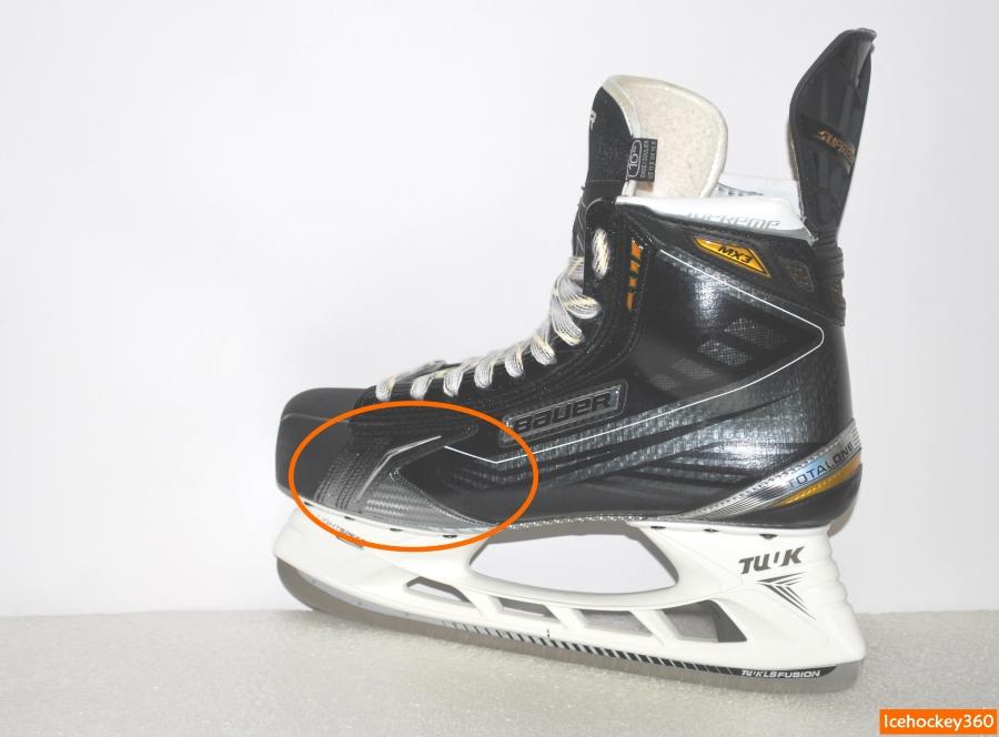 Проблемная область стыка пластикового мыска со стенкой ботинка.
