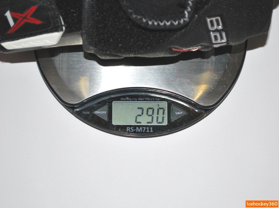Вес налокотников bauer Vapor 1X в размере М - 290 гр.